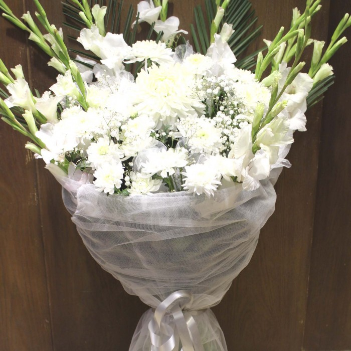 accented italian design with zoom stands daisies free paradise wilmington tropical delivery home of carnations and sympathy de bird moon vase flowers