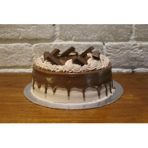 Kit-kat Chocolate Cake