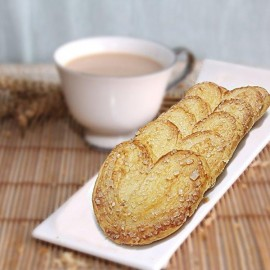 Bread & Beyond French Heart Biscuit